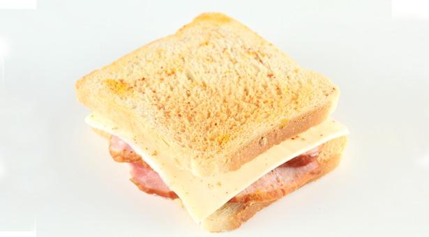 Rozmowa o sztucznym chlebie, barwionej szynce, pędzonym szczypiorku, czyli jak się trujemy